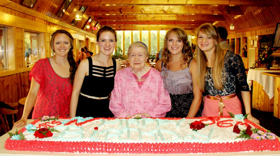 Ruth Ziolkowski with four of her granddaughters  (L-R)  Alisha, Alexandria, Ashley, and Luressa